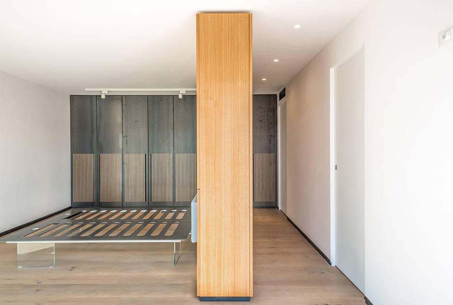 Scrigno Essential dveře splývající se zdí