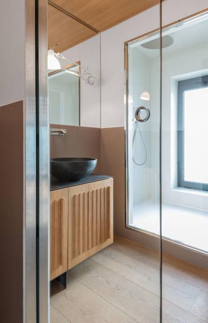 Essential Dual dveře splývající se zdí - Na3 studio