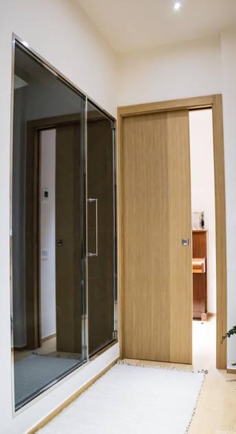 Essential dveře splývající se zdí