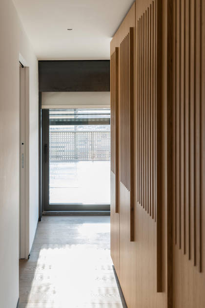 Essential Scorrevole, v provedení z bílého dřeva - Na3 studio Roma